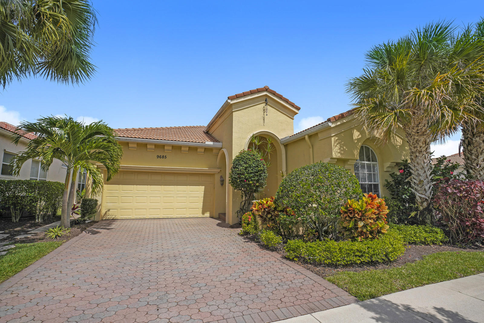 9685 Via Elegante Wellington, FL 33411