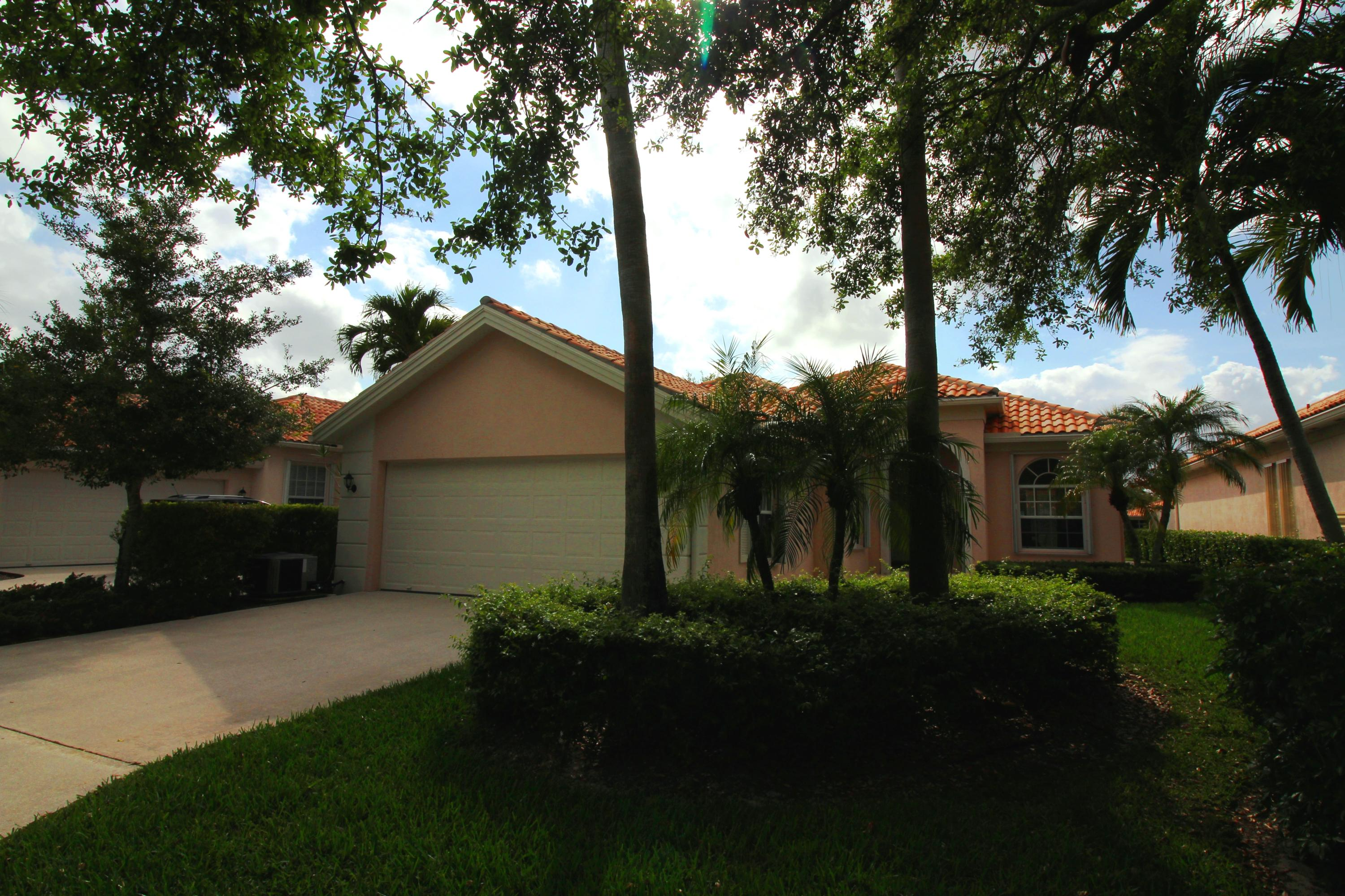 2769 Muskegon Way West Palm Beach, FL 33411
