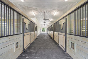 14565  Belmont Trace (Barn) For Sale 10513269, FL