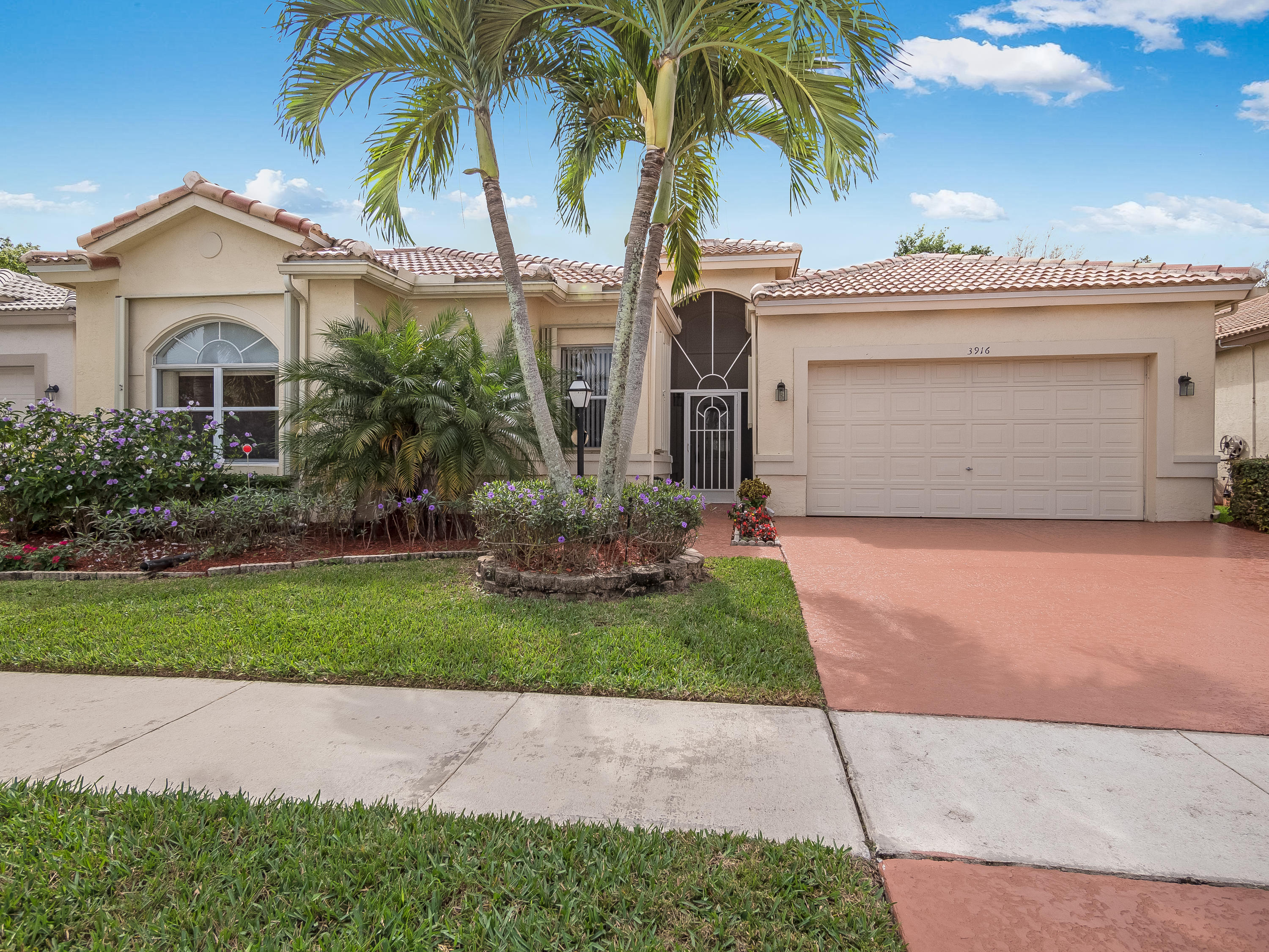 3916 Summer Chase Crt