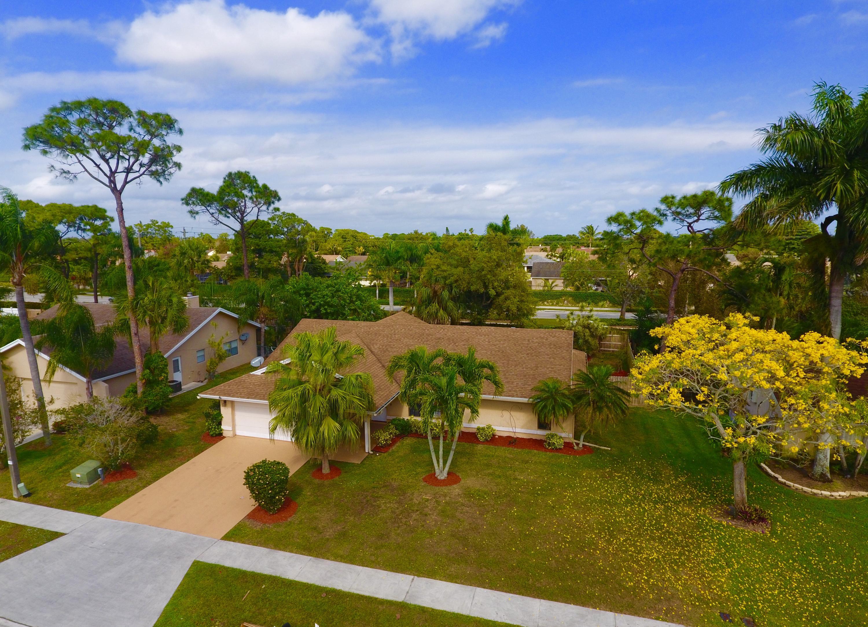 228 Parkwood Drive Royal Palm Beach, FL 33411