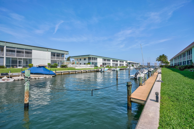 117 Lehane Terrace 101, North Palm Beach, Florida 33408, 2 Bedrooms Bedrooms, ,2 BathroomsBathrooms,A,Townhouse,Lehane,RX-10514263