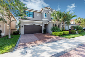 Tuscany, Atlantic Commons home 8070 Green Tourmaline Terrace Delray Beach FL 33446