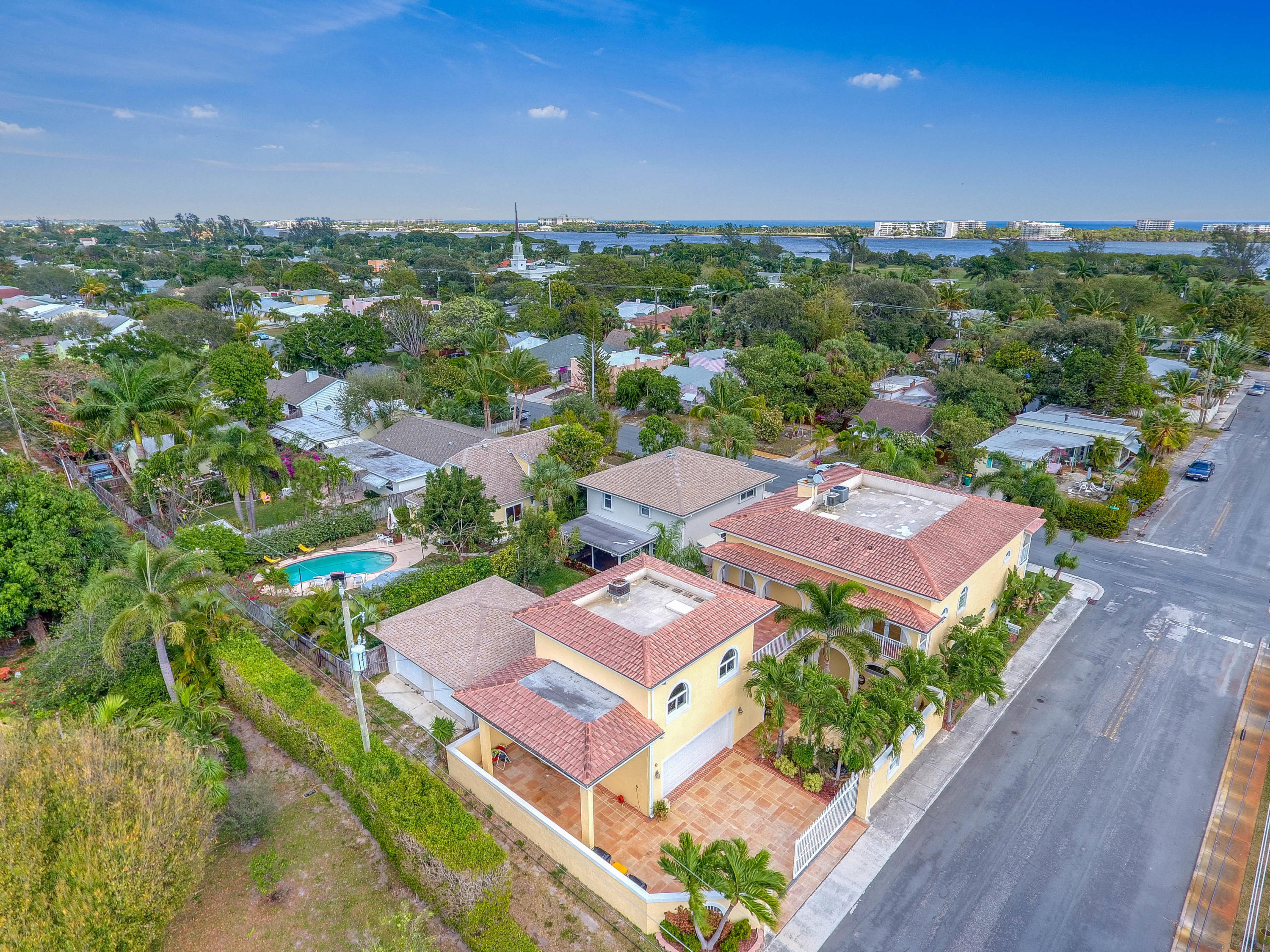 LAKE WORTH TOWN HOMES