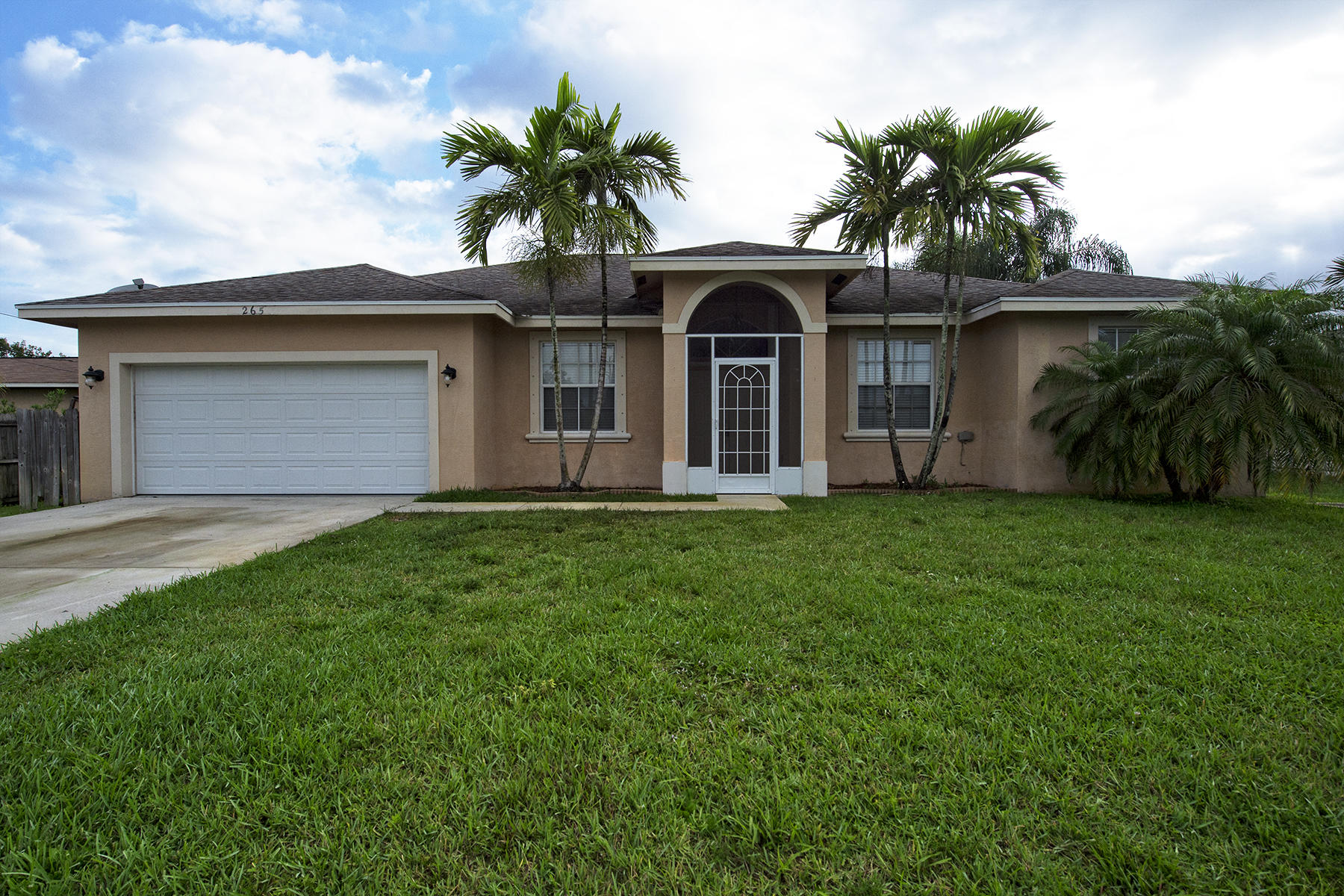 265 SE Whitmore Drive, Port Saint Lucie, Florida