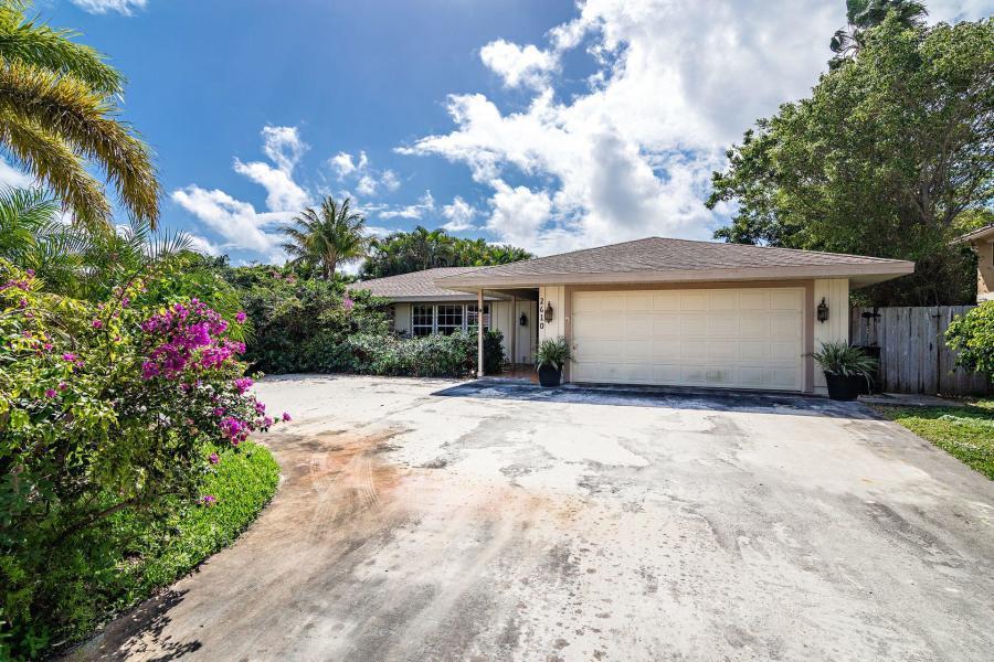Home for sale in Sun Cove North Palm Beach Florida