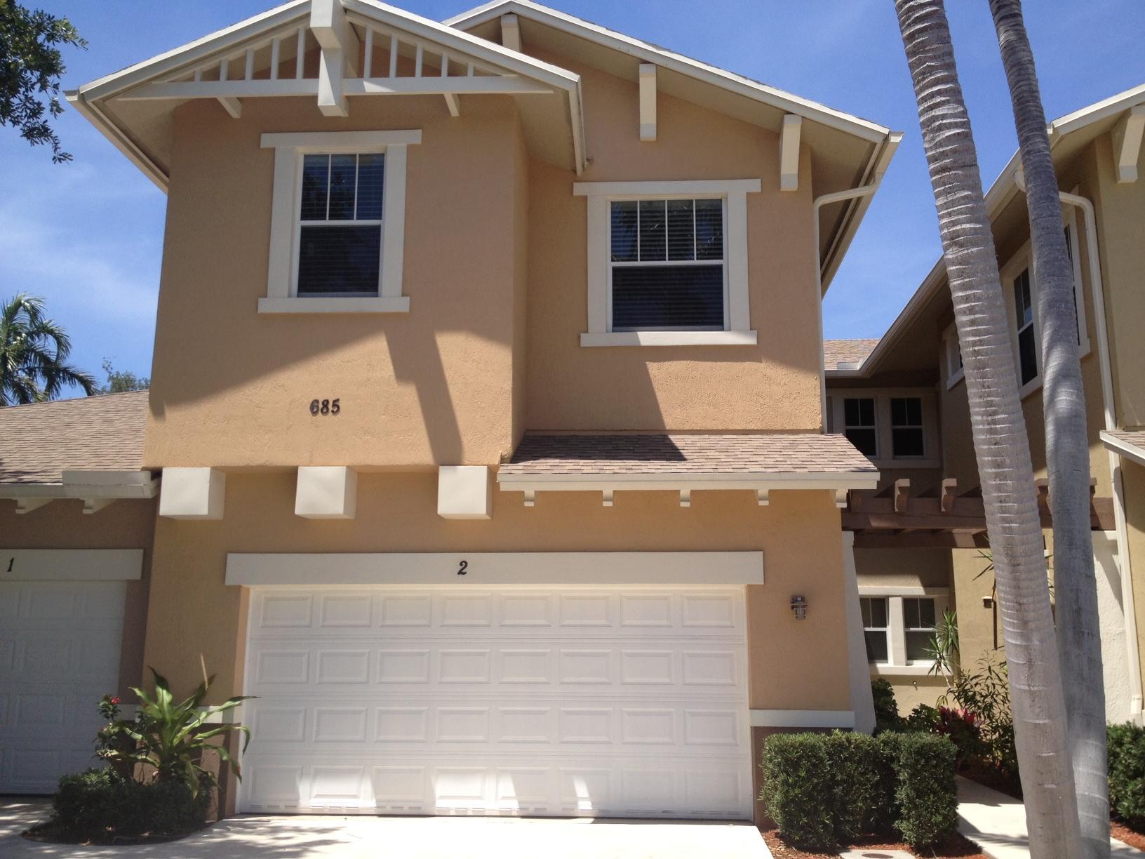685 Pacific Grove Drive 2 West Palm Beach, FL 33401