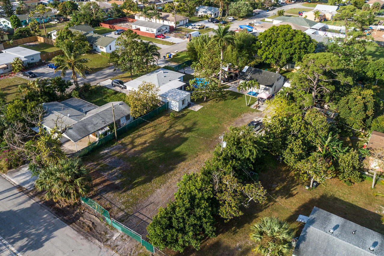 Home for sale in PINE AIR 3 West Palm Beach Florida