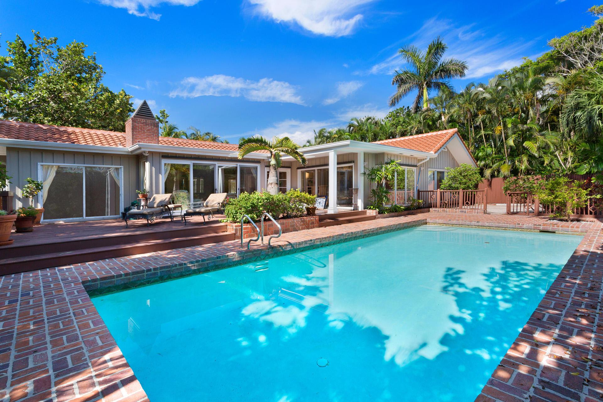 206 Seabreeze Avenue  Delray Beach, FL 33483