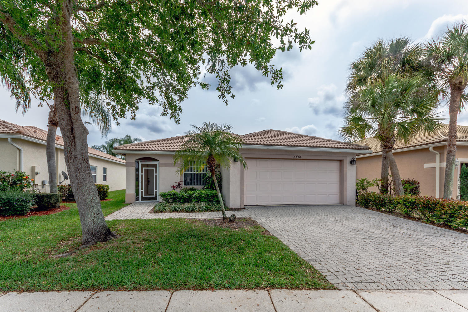 8570 Pine Cay West Palm Beach, FL 33411