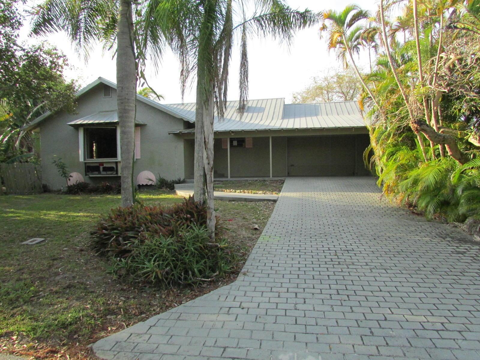 1054 SE Walters Terrace - Port St Lucie, Florida