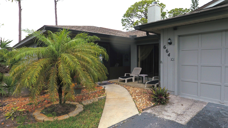 664 Centre Court, 101 - Vero Beach, Florida