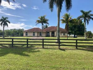 Property for sale at 17108 Fox Trail Lane, Loxahatchee,  Florida 33470