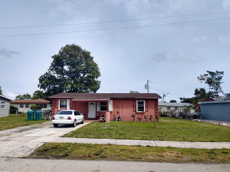 2040 NW 2nd Court Boynton Beach, FL 33435