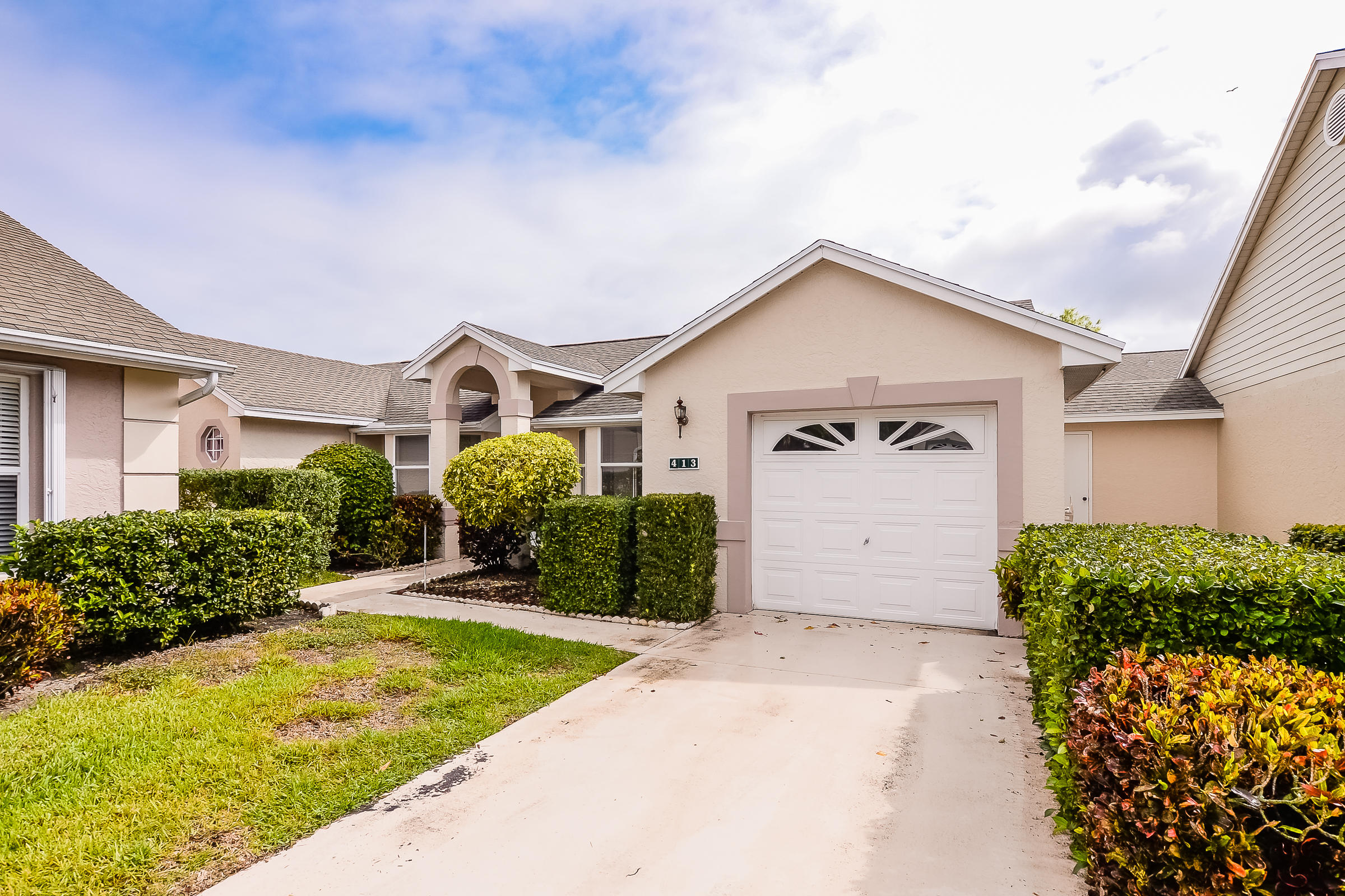 Home for sale in Kings Isle (isle Of Tuscany) Port Saint Lucie Florida