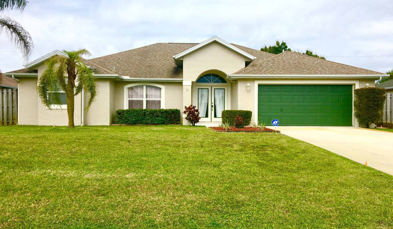 2350 SW Frisco Terrace - Port St Lucie, Florida