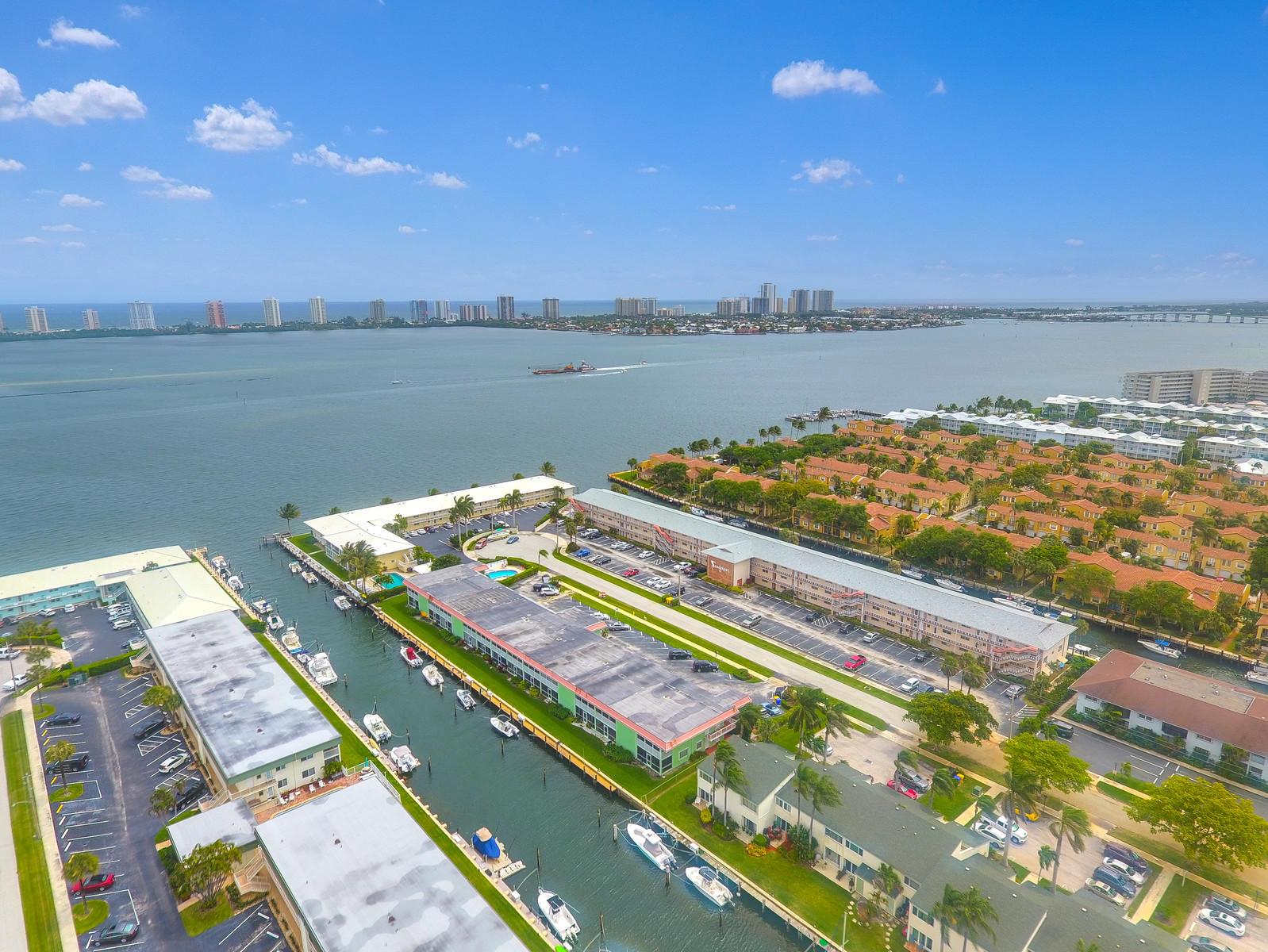 117 Lehane Terrace 210, North Palm Beach, Florida 33408, 2 Bedrooms Bedrooms, ,2 BathroomsBathrooms,A,Condominium,Lehane,RX-10515040