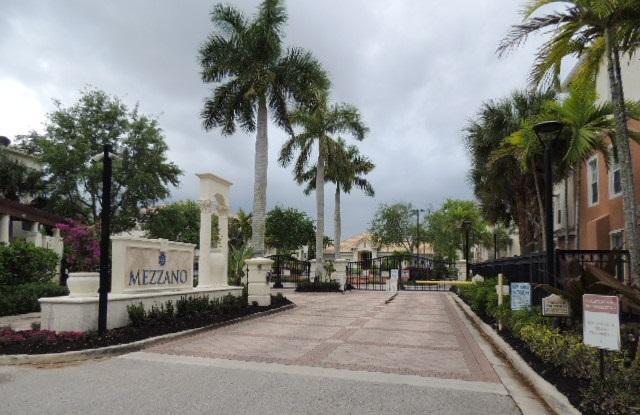 9905 Baywinds Drive 2102 West Palm Beach, FL 33411