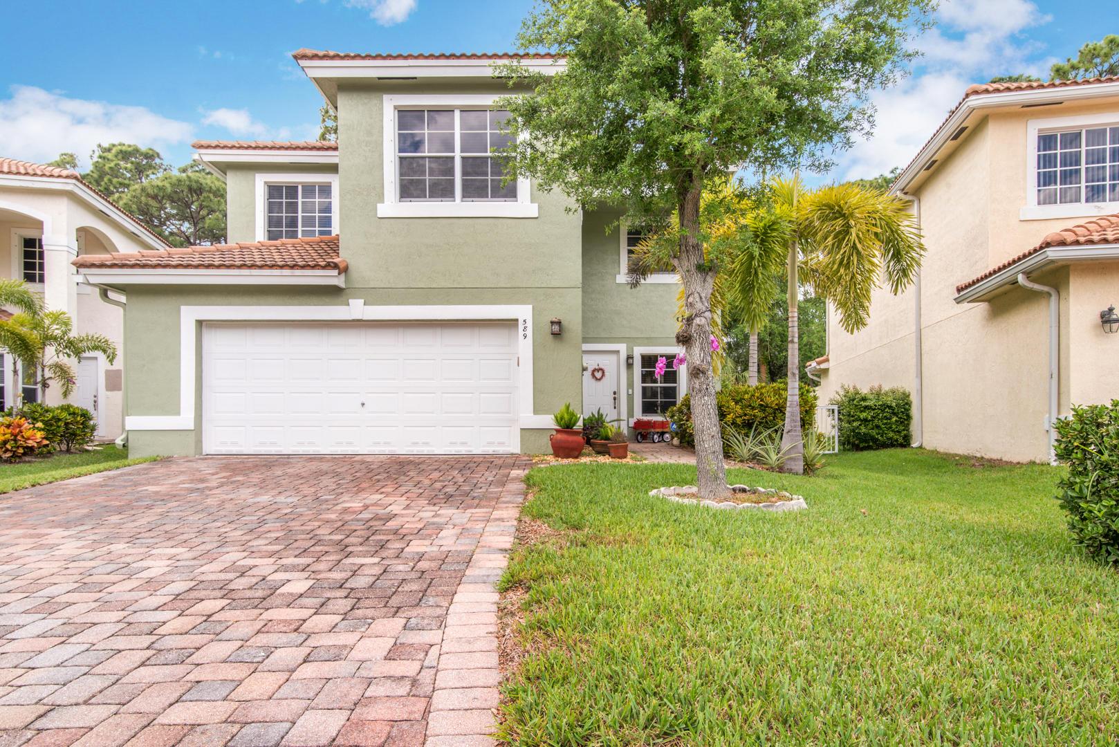 589 Alejandro Lane West Palm Beach, FL 33413