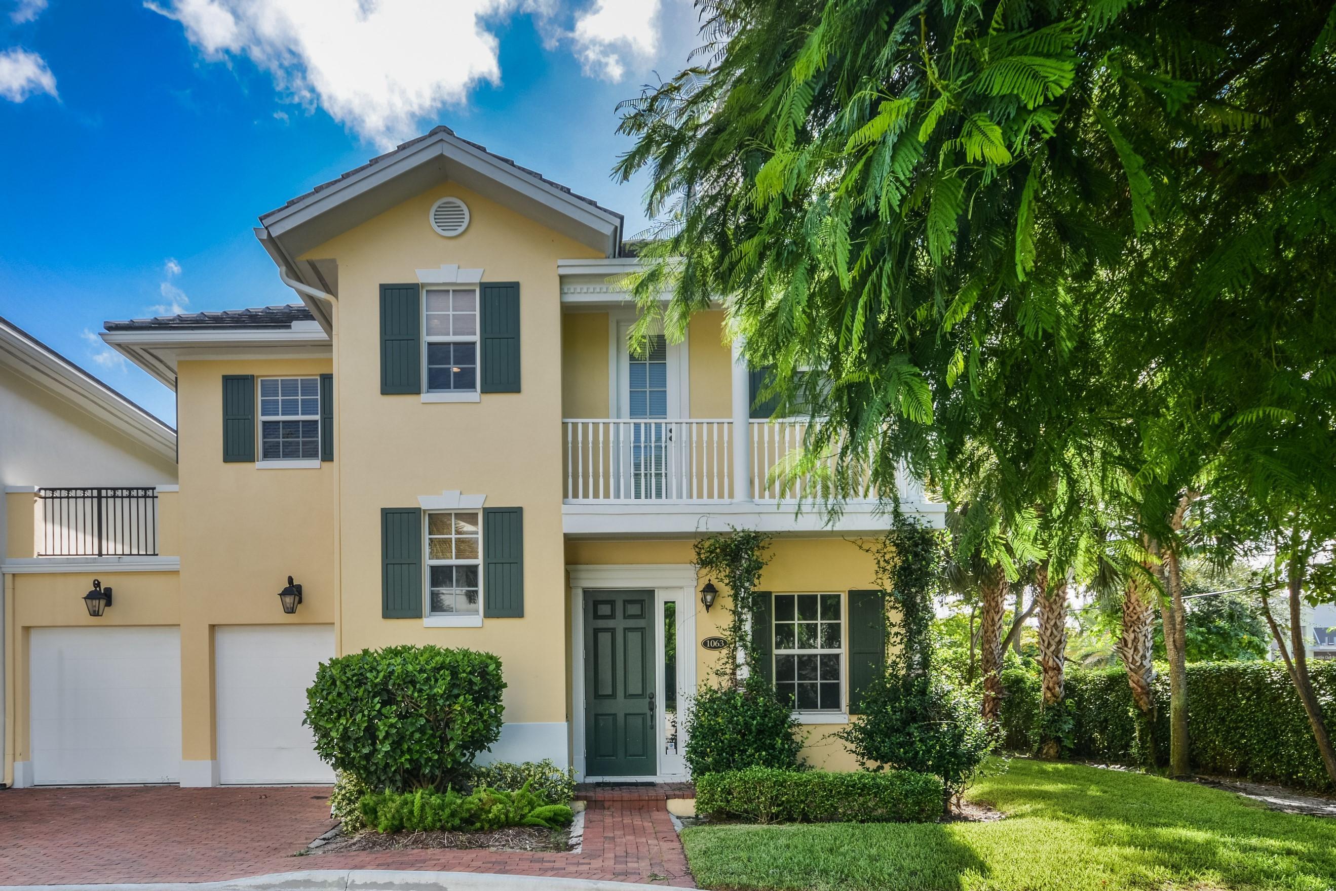1063 E Heritage Club Circle  Delray Beach, FL 33483