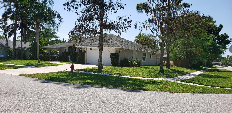 930 Meadow Avenue Wellington, FL 33414