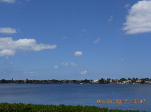 110  Half Moon Circle E2, Hypoluxo FL 33462 is listed for sale as MLS Listing RX-10515566 photo #9