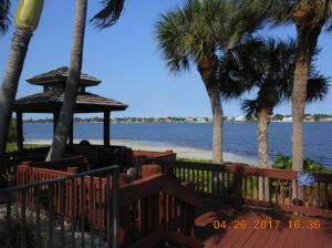 110  Half Moon Circle E2, Hypoluxo FL 33462 is listed for sale as MLS Listing RX-10515566 photo #12