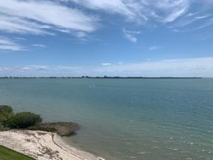 Harbour Isle West