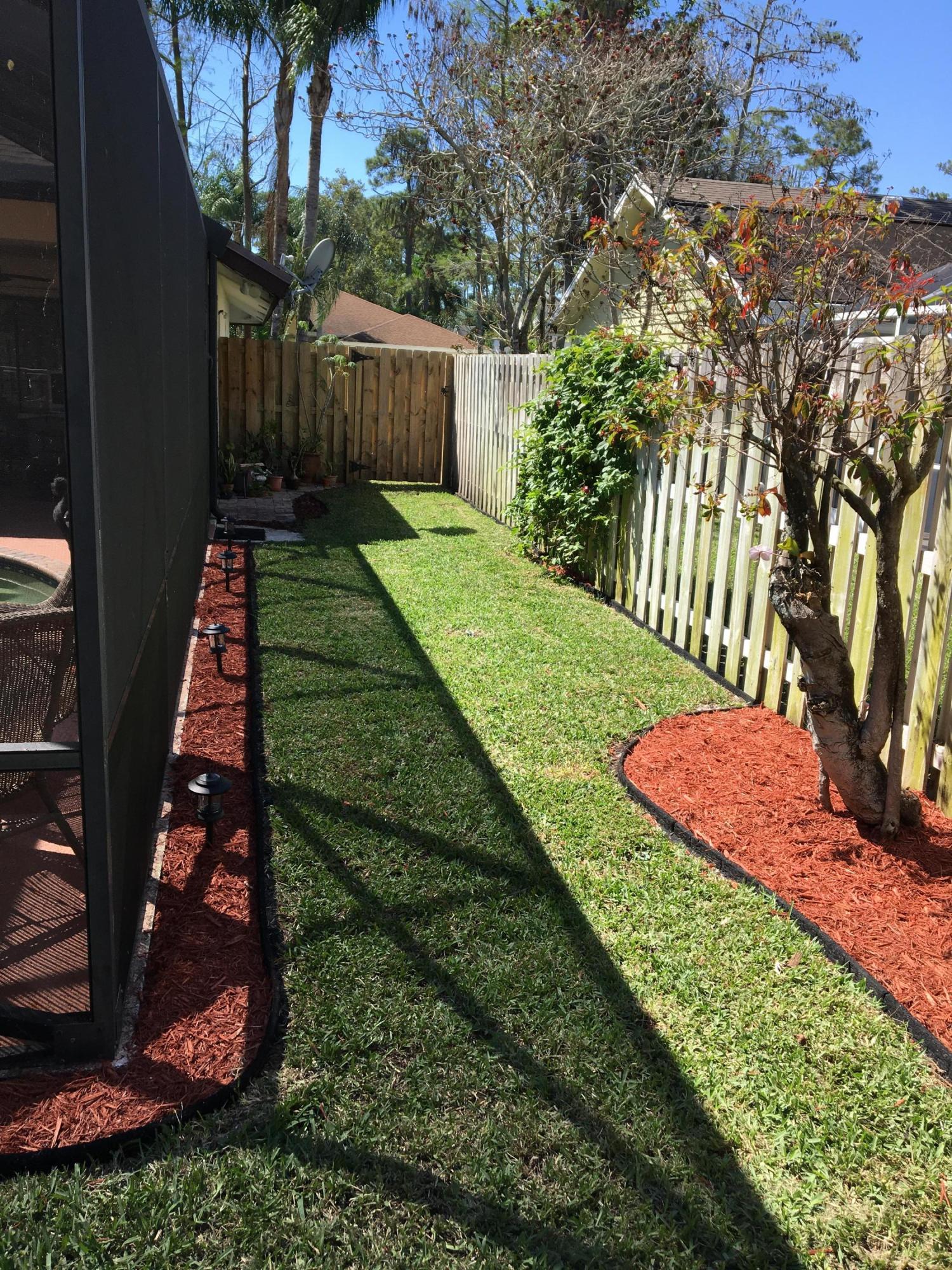892 Blueberry Drive Wellington, FL 33414 photo 9