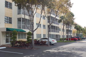 Property for sale at 55 SW 2nd Avenue Unit: 202, Boca Raton,  Florida 33432