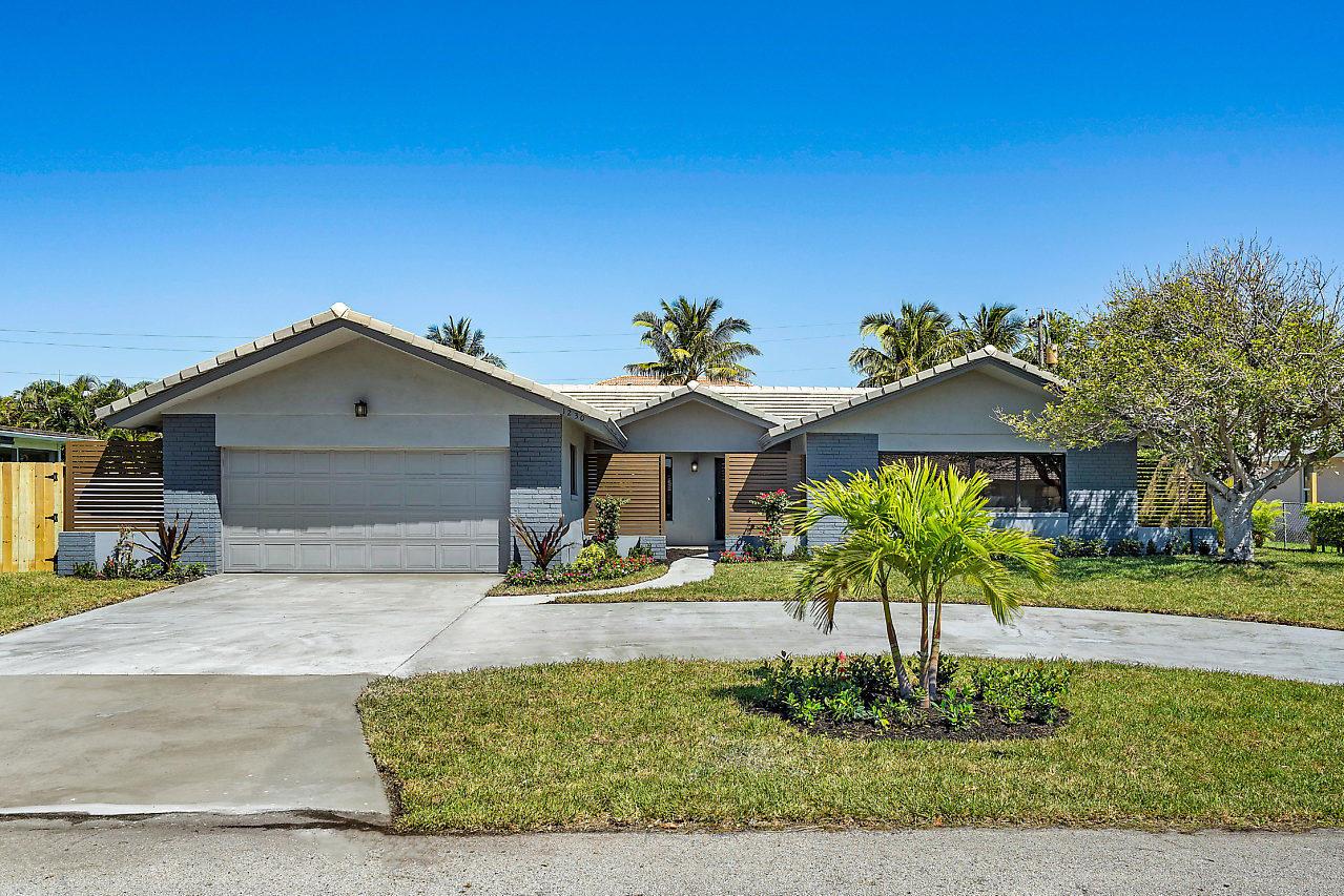 1230 Gulfstream Way  Riviera Beach FL 33404