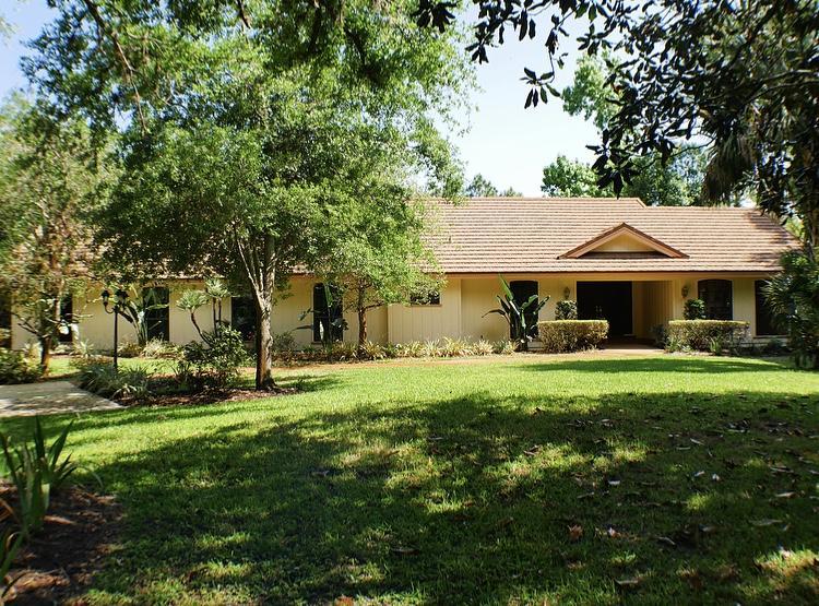 8133  Saratoga Way, Port Saint Lucie, Florida