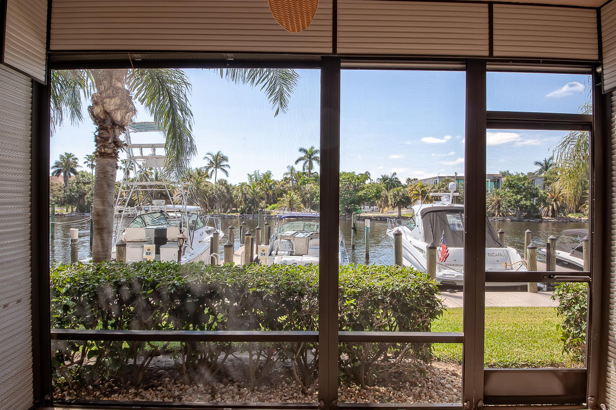240 Captains Walk 504  Delray Beach, FL 33483