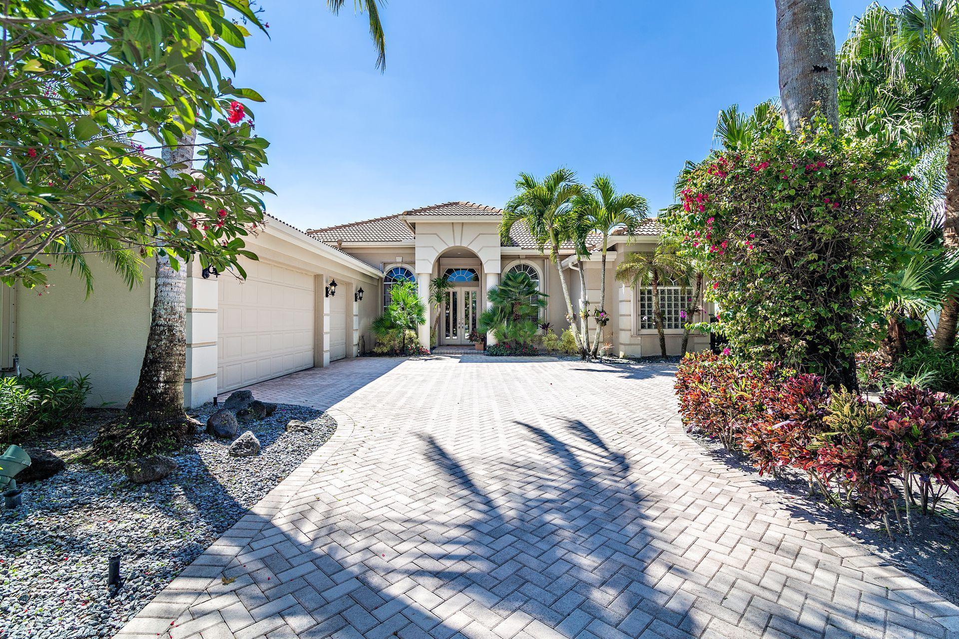 44 Bermuda Lake Drive, Palm Beach Gardens, Florida 33418, 4 Bedrooms Bedrooms, ,4.1 BathroomsBathrooms,A,Single family,Bermuda Lake,RX-10516544
