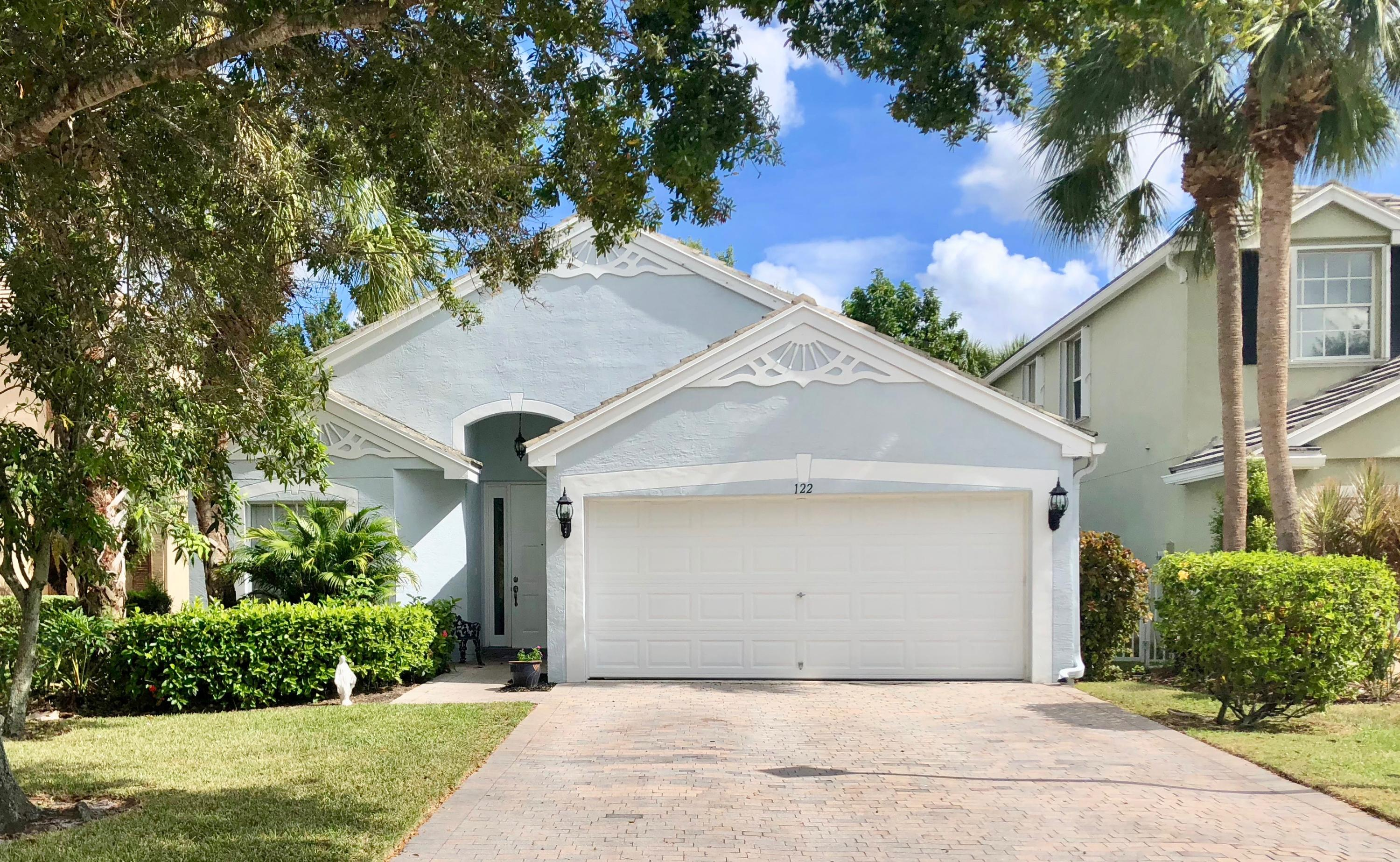 122 Canterbury Place Royal Palm Beach, FL 33414