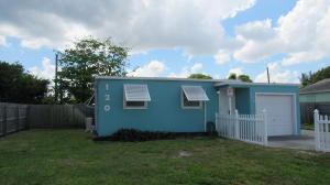 Property for sale at 120 SE 12Th Avenue, Boynton Beach,  Florida 33435
