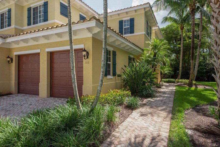 106 Chambord Terrace, Palm Beach Gardens, Florida 33410, 2 Bedrooms Bedrooms, ,2.1 BathroomsBathrooms,A,Condominium,Chambord,RX-10461213