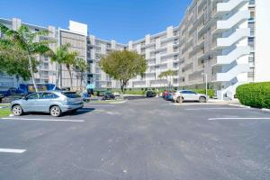 3401 N Country Club Drive 502 , Aventura FL 33180 is listed for sale as MLS Listing RX-10516914 19 photos
