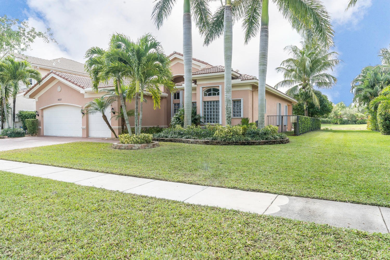 8837 Woodgrove Ridge Court Boynton Beach, FL 33473