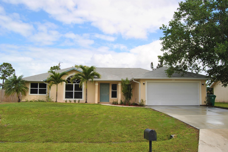 1433 SW Heather Street - Port St Lucie, Florida