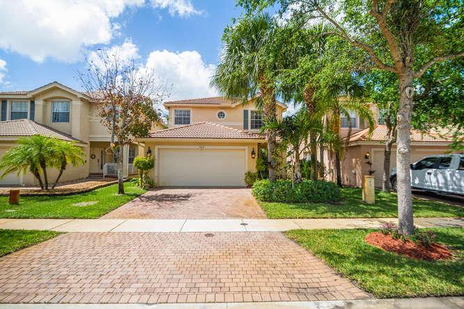 653 Garden Cress Trail Royal Palm Beach, FL 33411