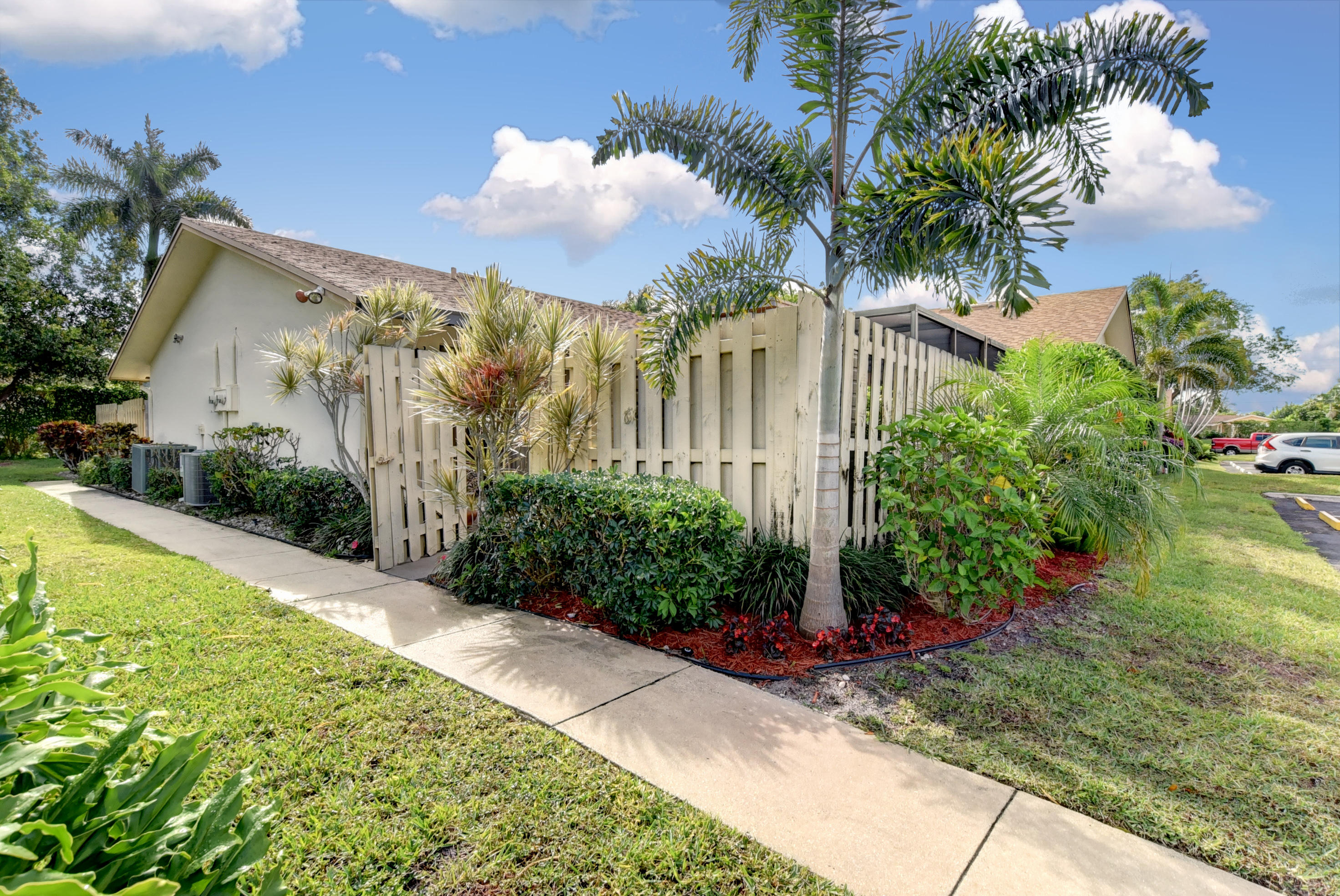 725 NW 26th Avenue B  Delray Beach, FL 33445