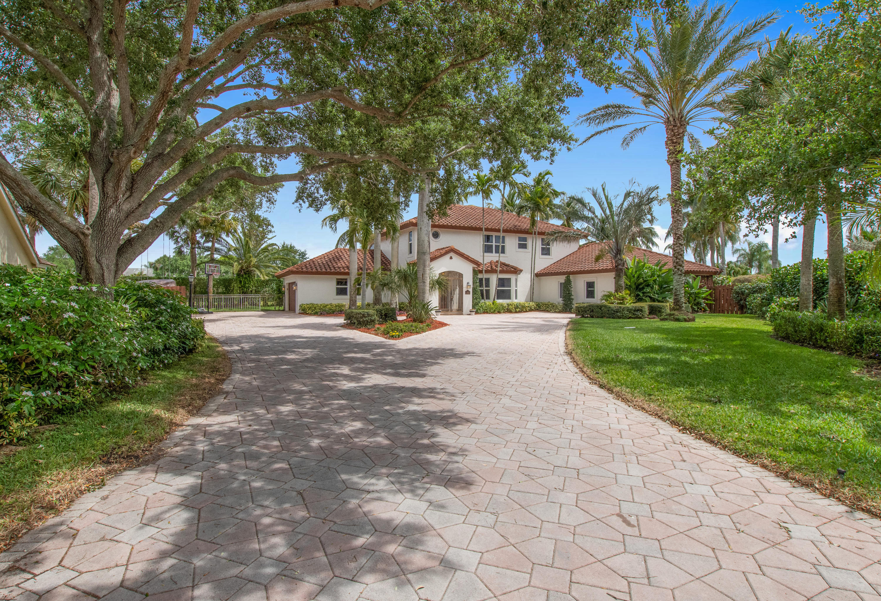 2935 Hampton Circle  Delray Beach, FL 33445