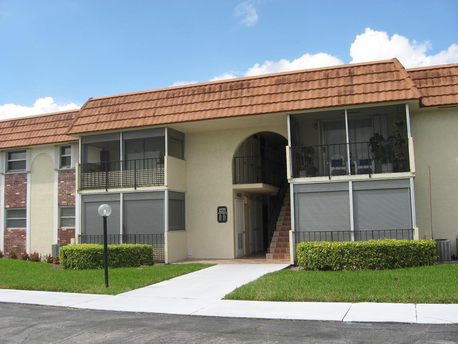 22795 SW 66th Avenue 102  Boca Raton FL 33428