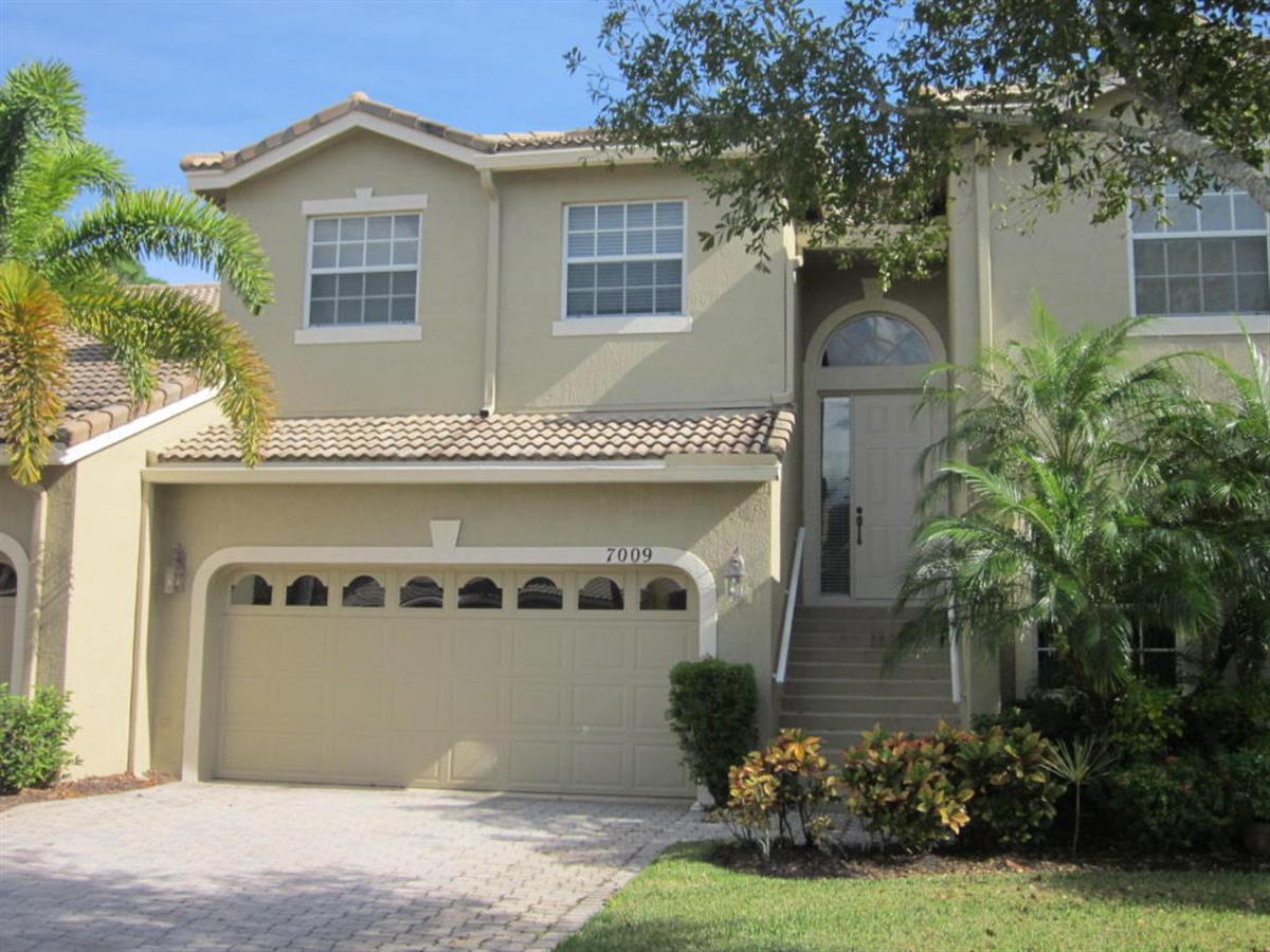 7009  Torrey Pines Circle, Port Saint Lucie, Florida