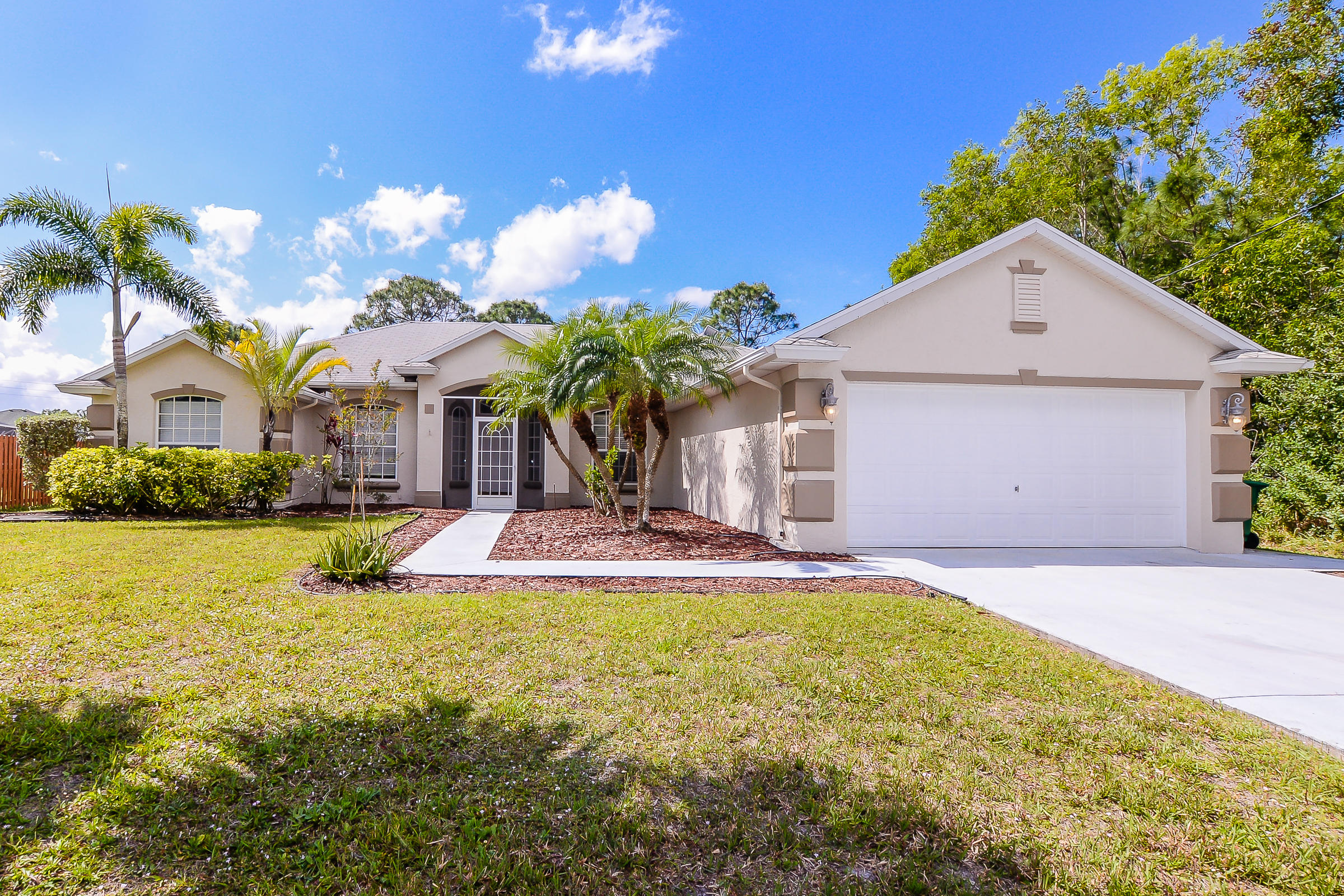 5322 NW Lamoore Lane - Port St Lucie, Florida