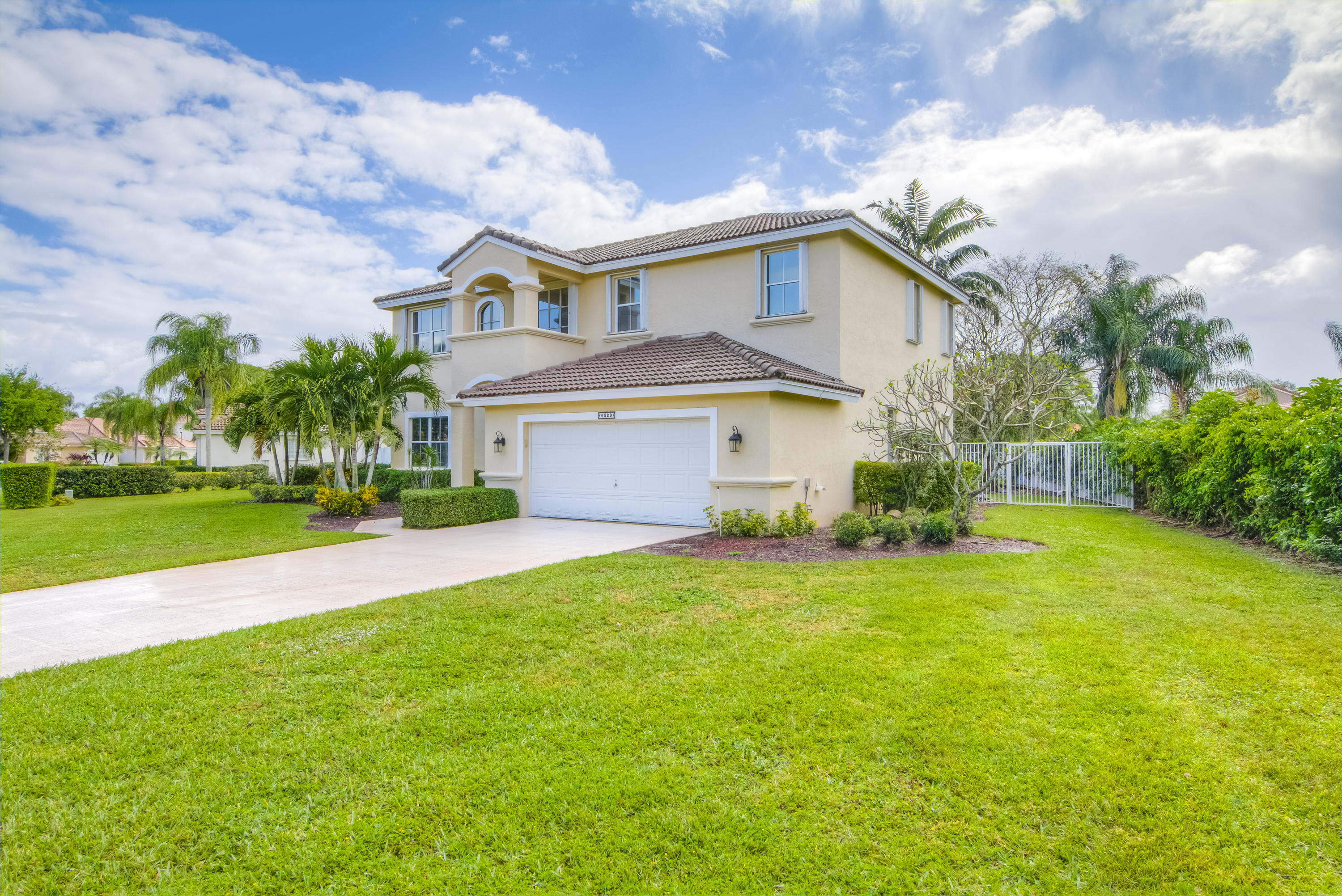 6329 Old Medinah Circle Lake Worth, FL 33463