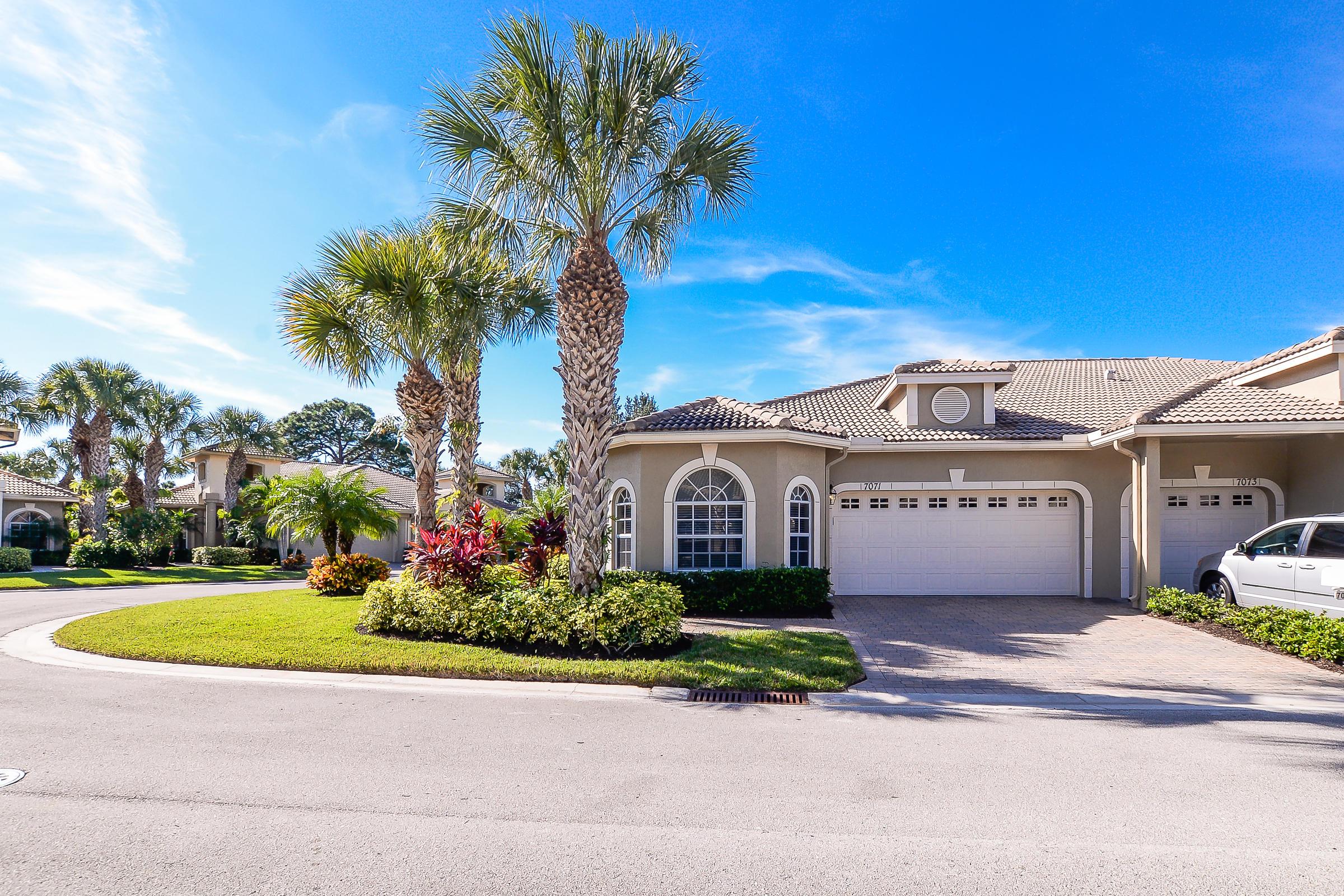 7071  Torrey Pines Circle, Port Saint Lucie, Florida