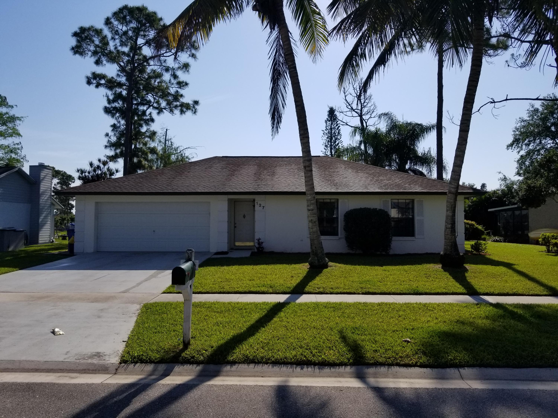 127 Parkwood Drive Royal Palm Beach, FL 33411