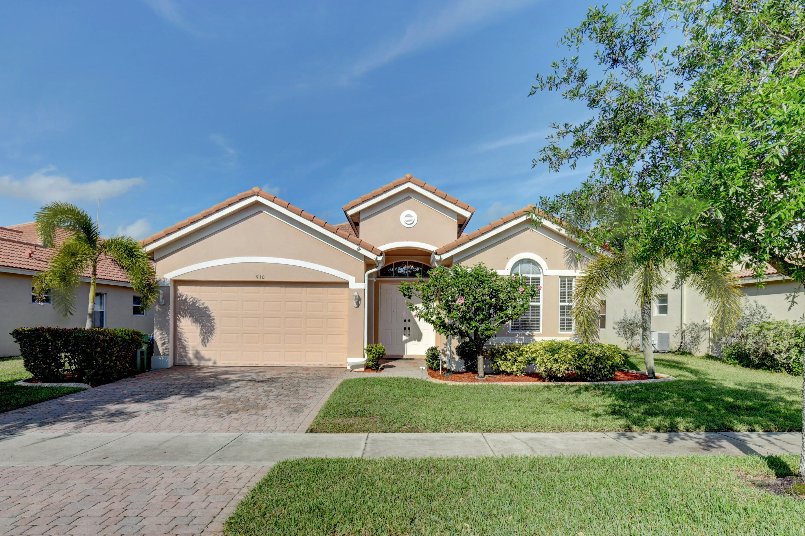 910 NW Demedici Road, Port Saint Lucie, Florida